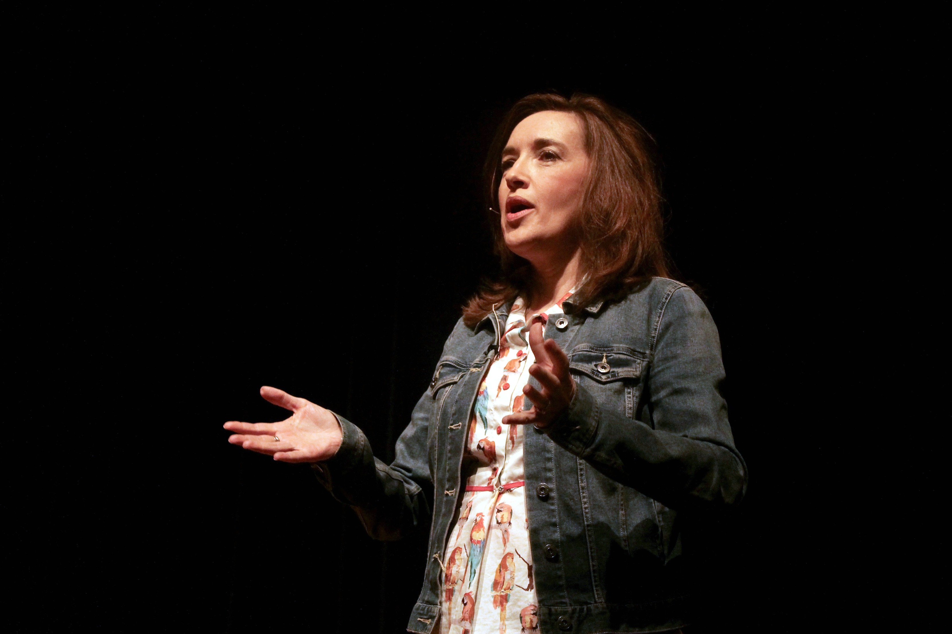 Sally Gary speaking in Hardeman Auditorium on March 23. Photo by Allyson Hazelrigg