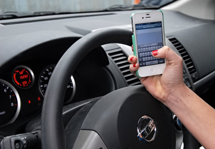 Police Officers can give a $100 fine for texting and driving. Online photo.