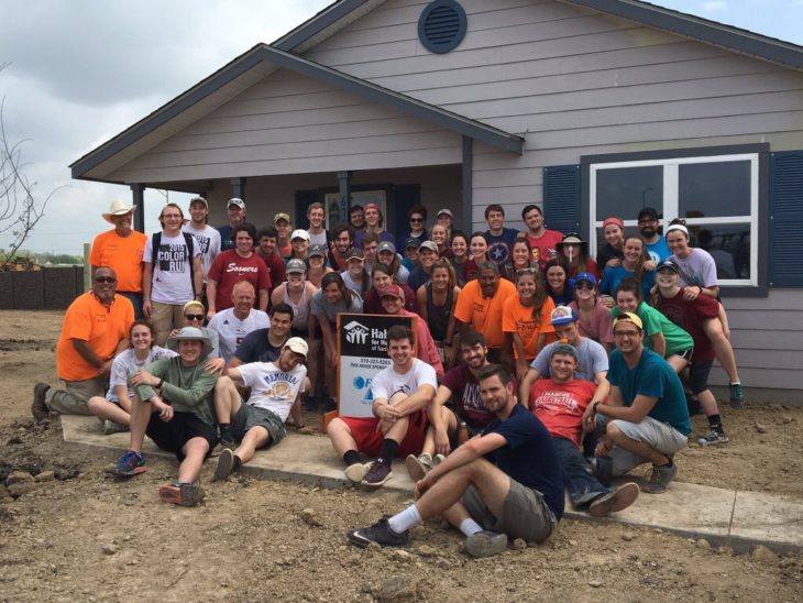 A group of students from Memorial Road Church of Christ spent spring break of 2016 working with Habitat for Humanity in San Antonio, TX. Submitted photo.